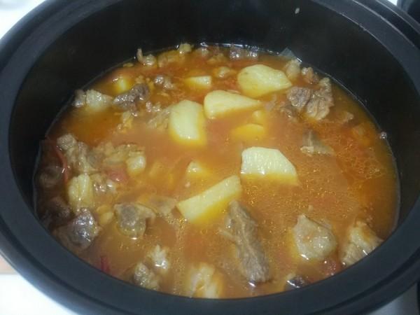 西红柿土豆炖牛腩怎样炒