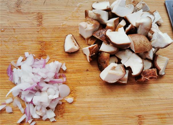 肠菇拌面的做法大全