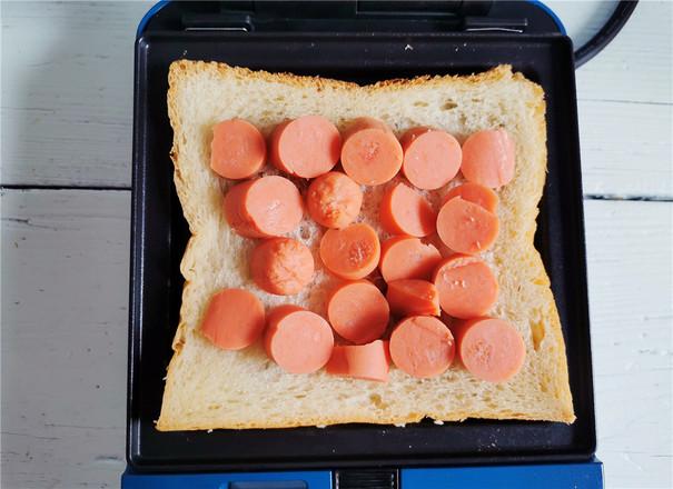 酸青瓜鸡蛋三明治的做法图解