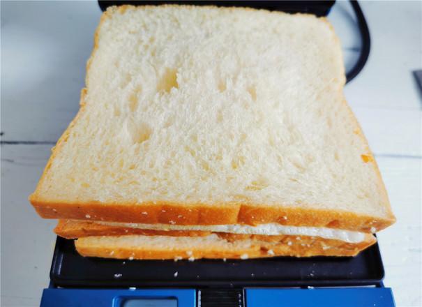 酸青瓜鸡蛋三明治怎么做