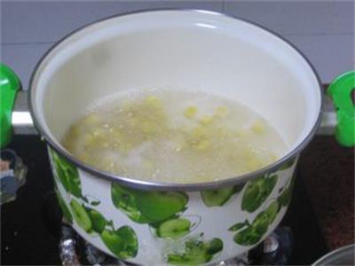 来碗超甜的牛奶芒果小圆子怎么吃