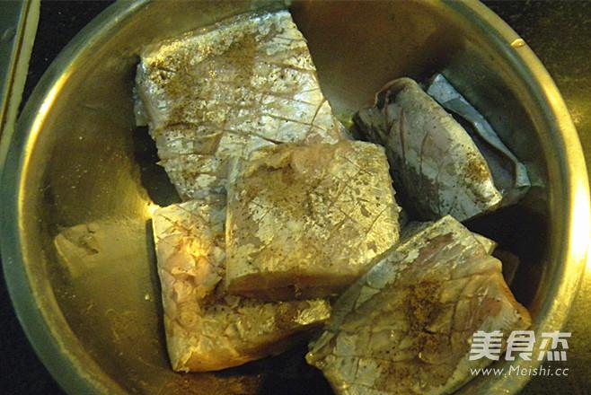 干煎黑椒带鱼的做法图解