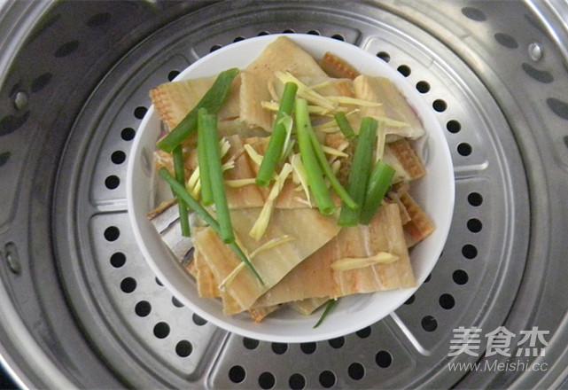 葱香蒸鳗鱼怎么炒