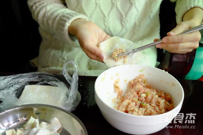 海鲜汤云吞的家常做法