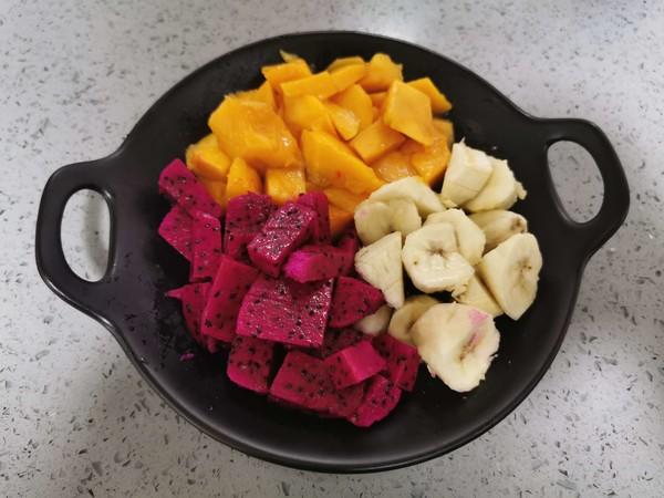 松子酸奶水果捞怎么吃