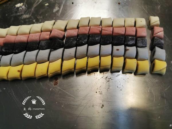 彩虹豆沙卷怎样煸