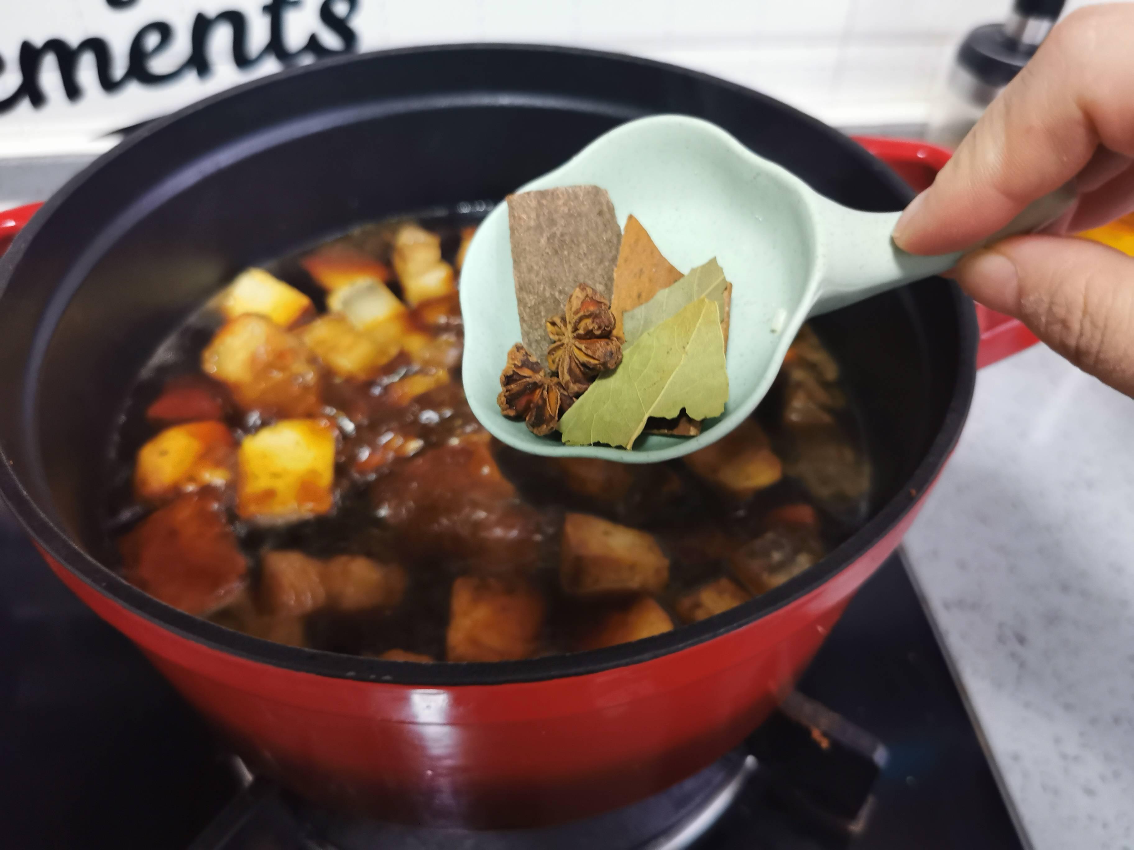 五花肉烧豆腐怎样做
