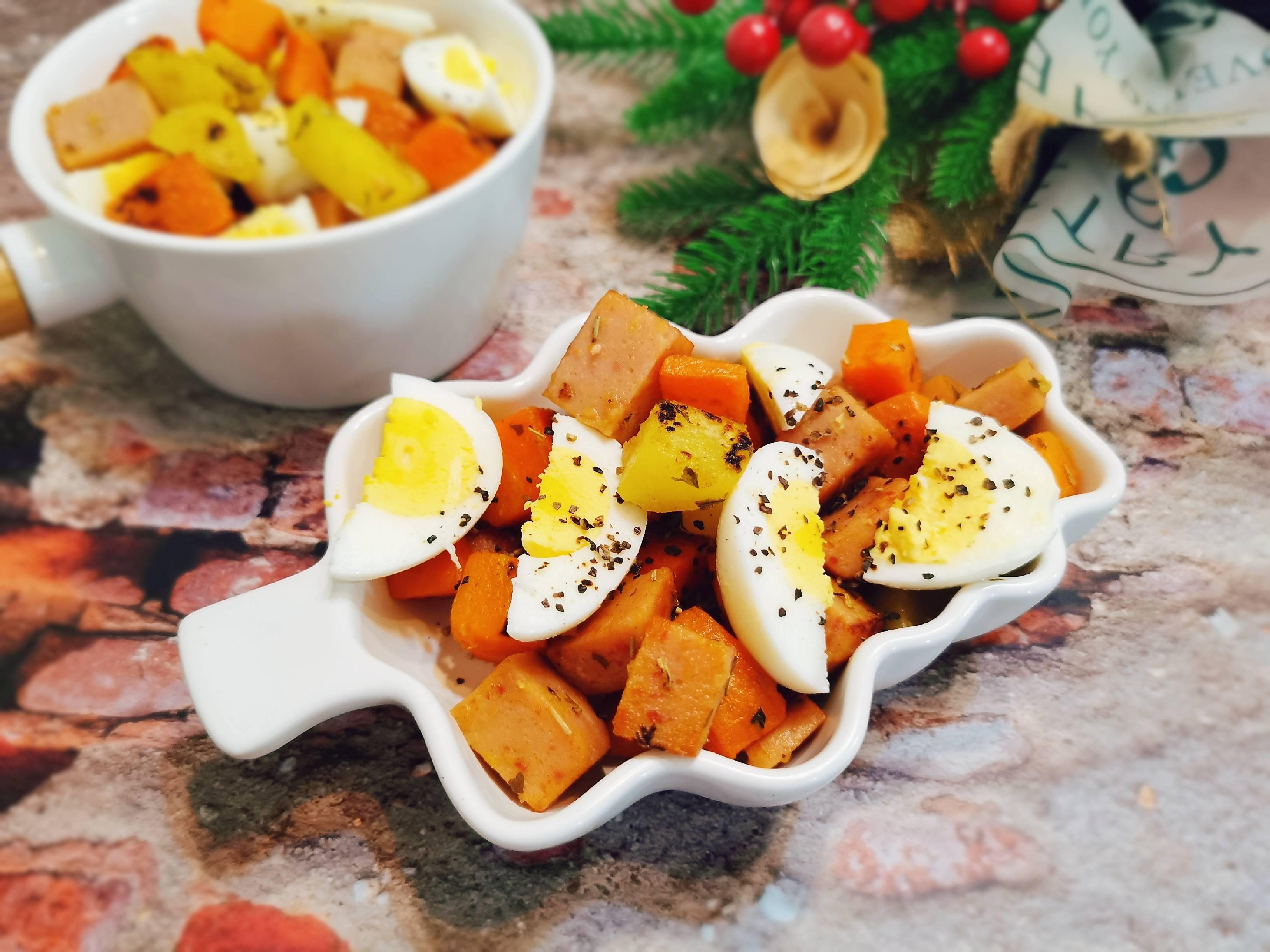 饱腹感极强的沙拉拼盘,蔬菜,鸡蛋,肉应有尽有成品图