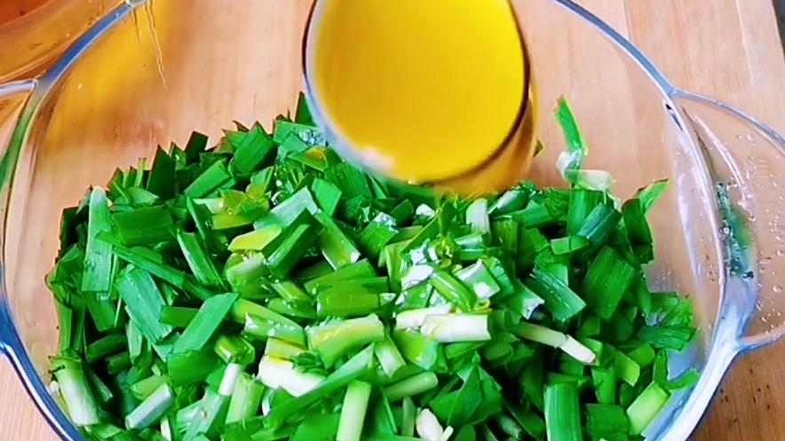 陕西地方特色小吃——韭菜卷的简单做法