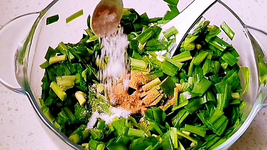陕西地方特色小吃——韭菜卷怎么炒