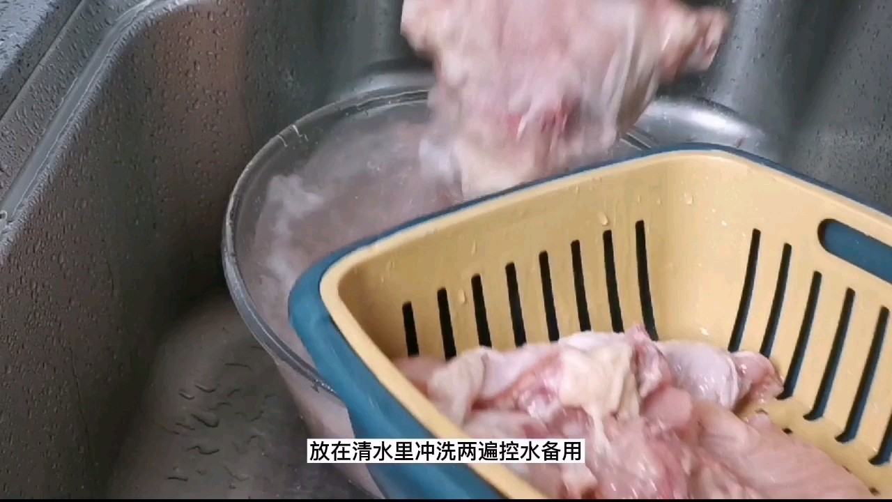 过年硬菜之一:芋头大盘鸡,保证一上桌就被抢光的家常做法