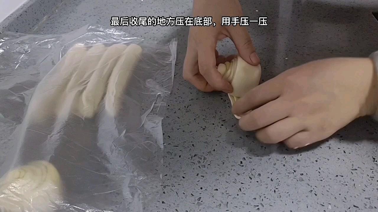 手抓饼生胚的具体配方和手法,整理的非常详细,多做点存起来吧的步骤