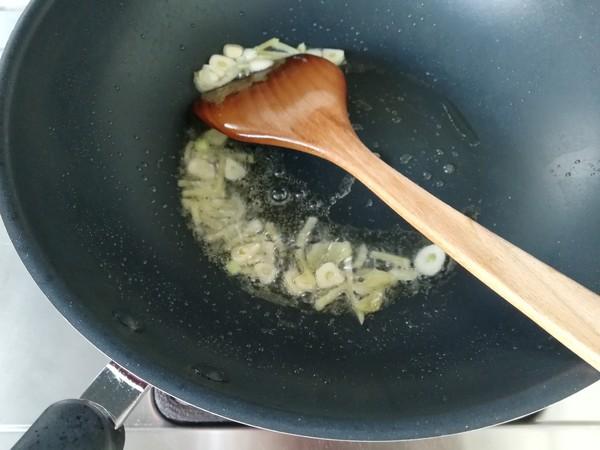 青蒜香干回锅肉的简单做法