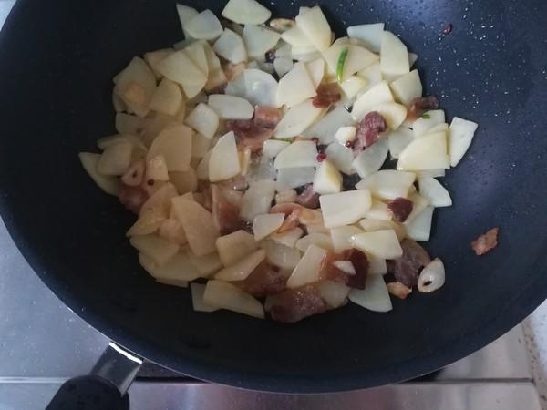 五花肉炒土豆片怎么吃