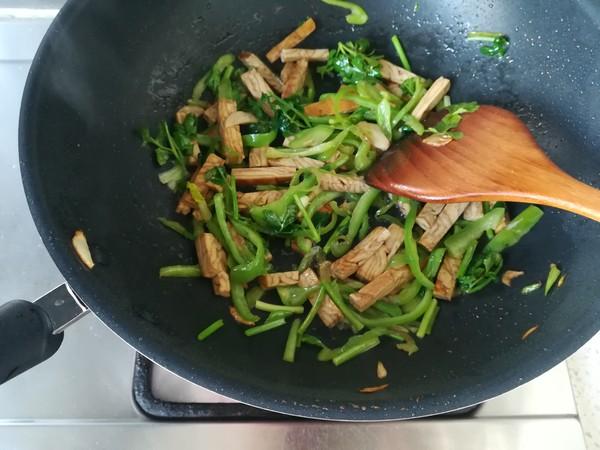 青椒炒香干怎么做