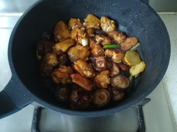 香菇鸡翅怎么炒