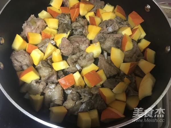 南瓜排骨煲怎么吃