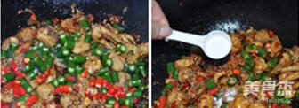 小米椒爆炒小公鸡怎么煮