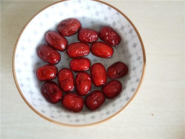 红枣桂圆枸杞汤的做法图解