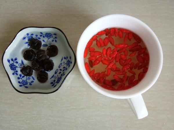 红枣桂圆枸杞汤的家常做法