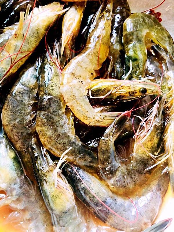 避风塘炒虾的家常做法