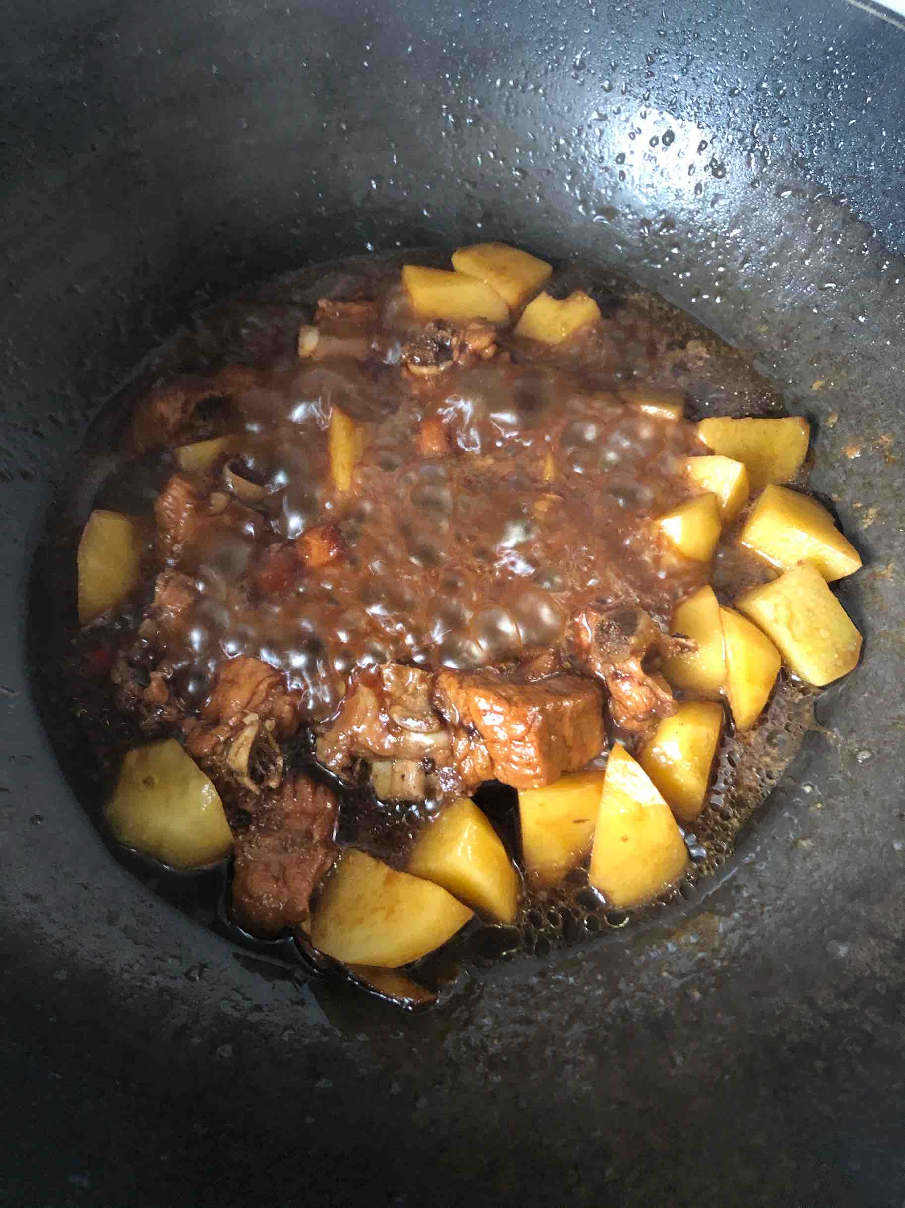 香辣排骨烧土豆怎样做
