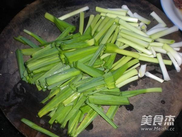 大蒜炒百叶的家常做法