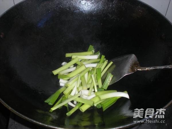 大蒜炒百叶的简单做法