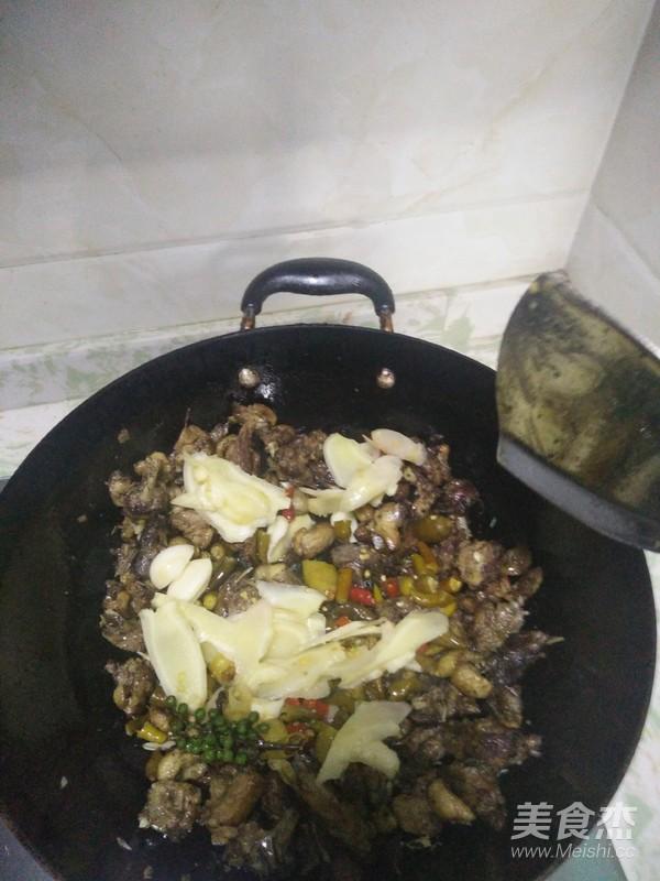 泡椒仔姜鸭肉的家常做法