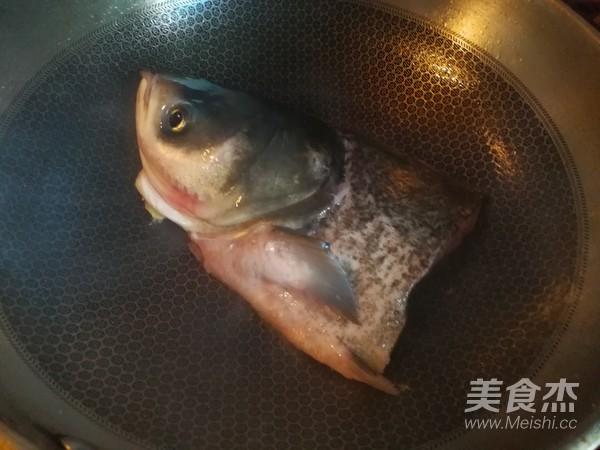 玉米豆腐鱼头汤怎么做