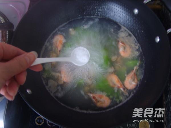 莴笋海鲜汤怎么煸