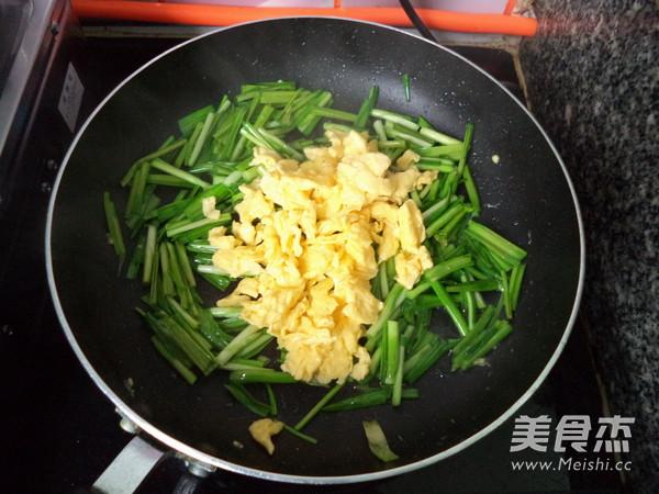 蒜苗炒鸡蛋怎么炒