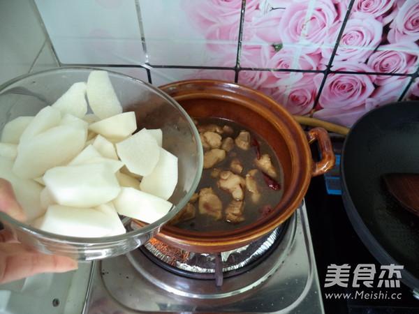 猪踭焖白萝卜怎样做