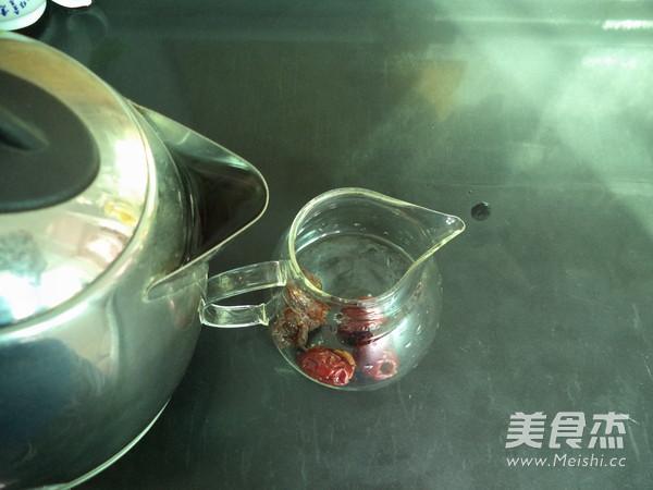 桂圆红枣养血茶的简单做法