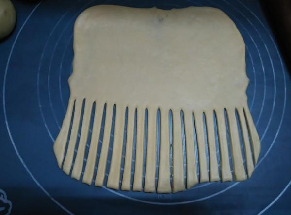 毛毛虫面包怎么做