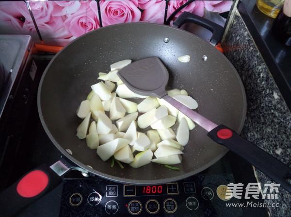 虾米焖茭白的简单做法