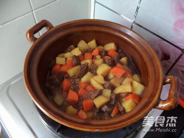 胡萝卜土豆炖牛肉的制作