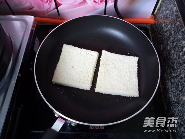 香蕉花生酱三明治的简单做法