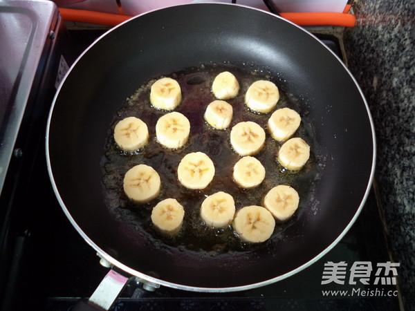 香蕉花生酱三明治怎么煮