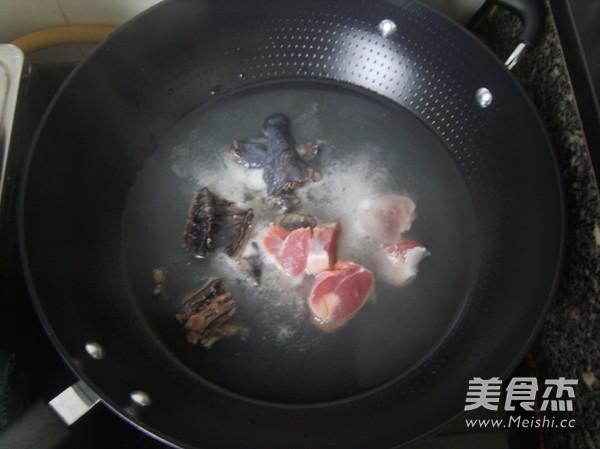 阿胶乌鸡汤的家常做法