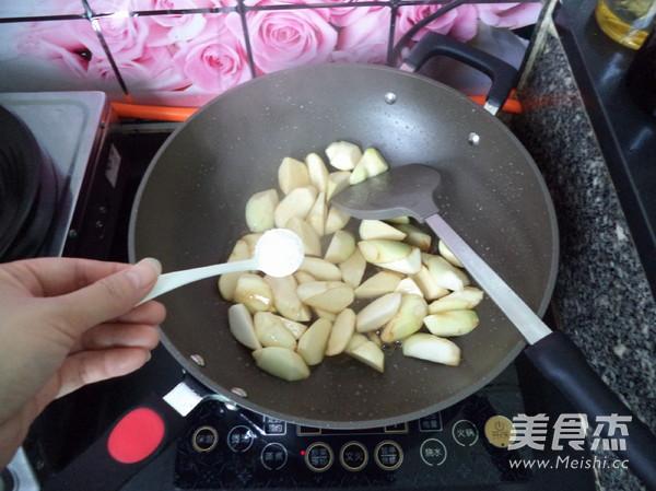 虾米焖茭白怎么做