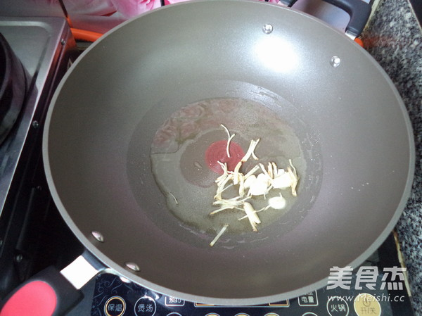 三丝炒米粉怎么吃