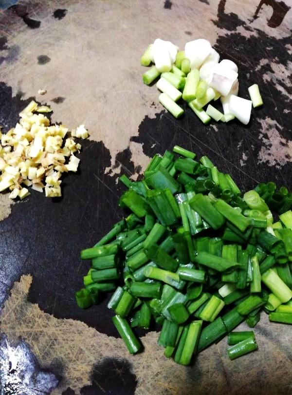 芽菜肉片炒河粉的简单做法