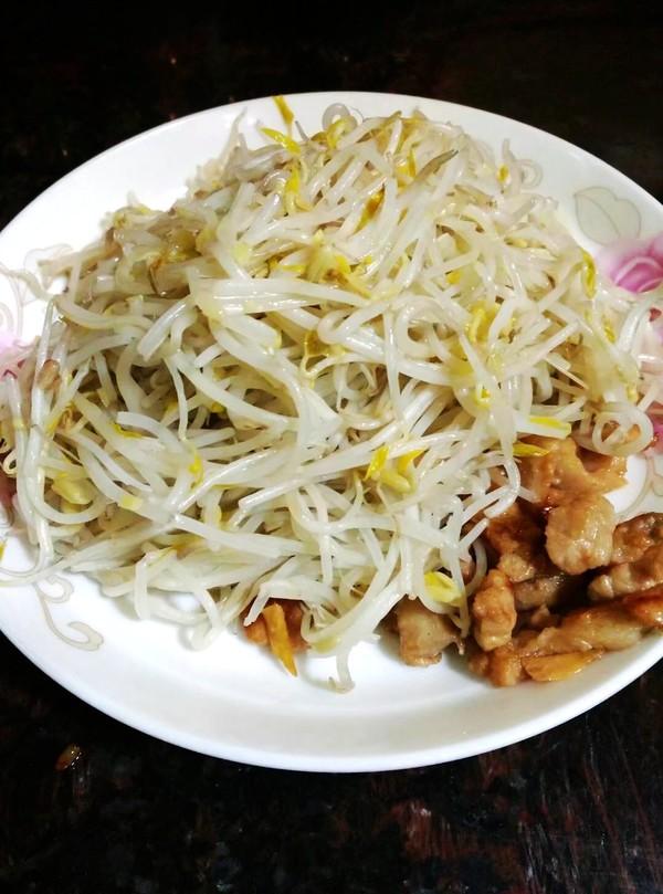芽菜肉片炒河粉怎样做