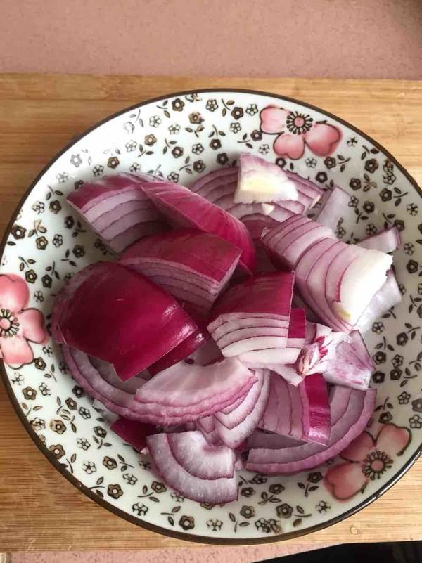 土豆洋葱焖鸡的简单做法