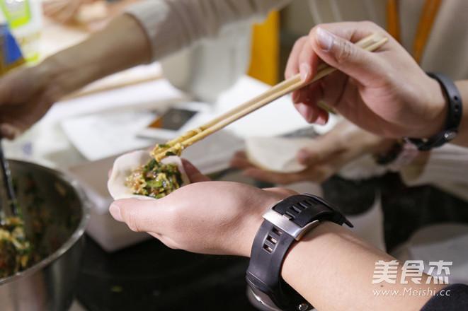 冬至三鲜饺子怎样煸