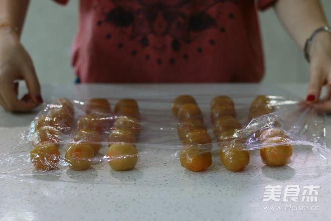 莲蓉蛋黄广式月饼 (超级完整版)怎样做