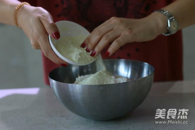 莲蓉蛋黄广式月饼 (超级完整版)的制作大全