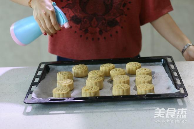 莲蓉蛋黄广式月饼 (超级完整版)的做法大全