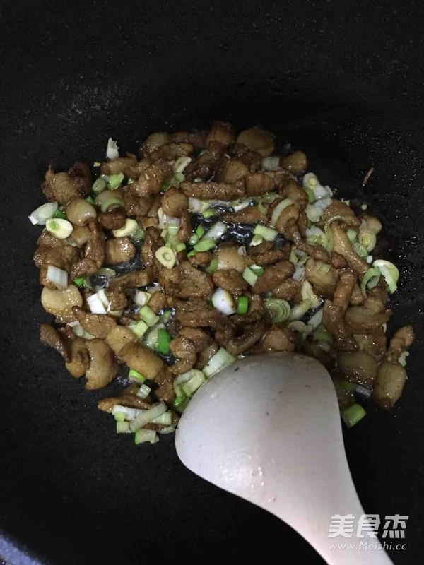 土豆豆角五花肉焖饭(五彩焖饭)的家常做法